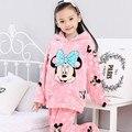 2016 pijamas niñas Minnie de la ropa de noche caliente Loungewear infantil Coral polar pijama niños franela Homewear para la muchacha pijamas