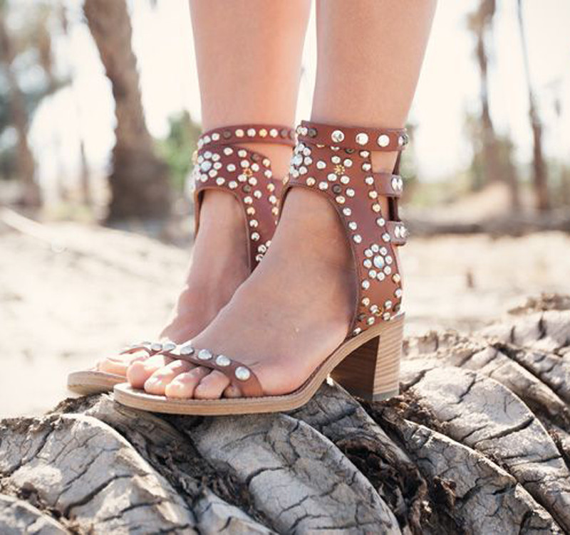 Sestito 2018 Woman High Quality Rivets&Crystal Decorated Chunky Heels Gladiator Sandals Girls Sexy Peep Toe Ankle Strap Sandals