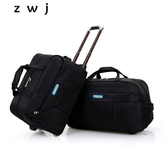 676ff3c981 Gli uomini di vendita a buon mercato portare avanti cabina bagagli valigie  di grandi dimensioni su