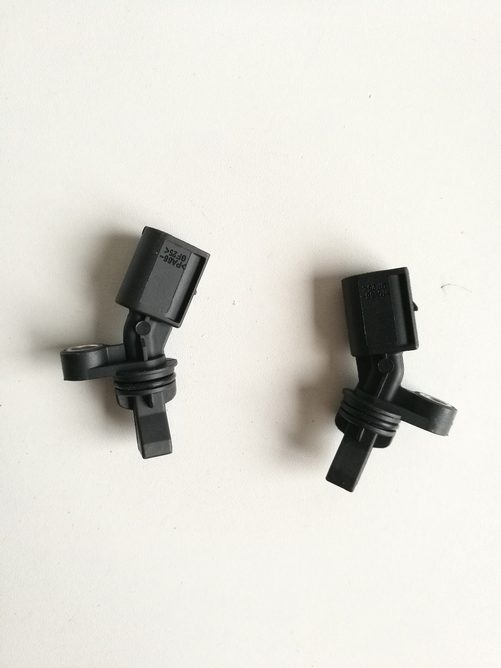 1 pcs 2H0927807A and 1 pcs 2H0927808A Rear Left Right ABS Sensor Wheel Speed Sensor for Audi Volkswagen Amarok pickup 2010-2019