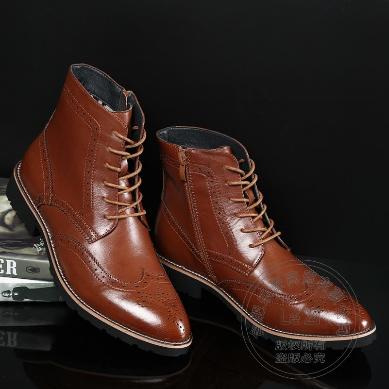ФОТО Brogue Business Retro Fashion Pointy Booties Wear Rub Skin Color Japanned Leather Carved Chukka Boots Cap Toe Men Shoes Winter