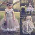 2017 Flower Girl Dresses For Weddings Ball Gown Tulle Appliques Lace First Communion Dresses For Little Girls