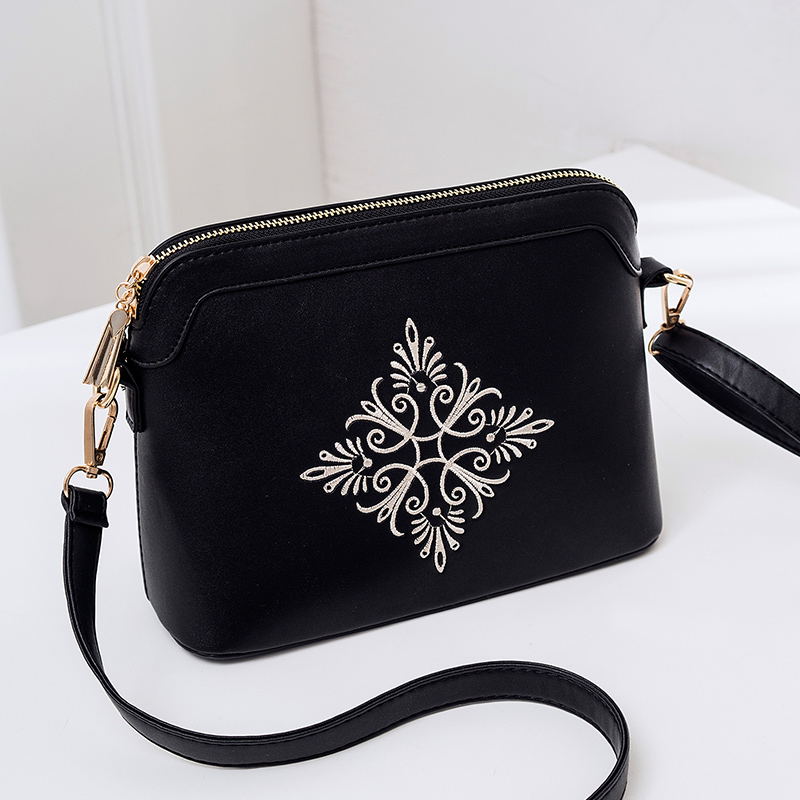 2018 New Fashion Small Shoulder Bags For Women Solid Black Pink White Women Messenger Bags Elegant Leather Women Zipper Bag pink solid color off shoulder crop bodycon sweaters vests