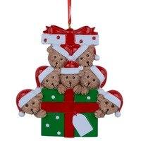Großhandel Harz Bär Familie Von 7 Weihnachten Ornament Personalisierte Geschenk Schreiben Ihre Eigenen Namen Für Urlaub Wohnkultur Miniatur Handwerk