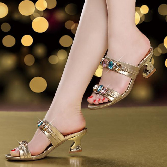 dd808f10135 2018 Summer New Golden Slipper Female Sandals Crude heel Roman Female  Slipper Crystal Diamonds Open Toe Shoes Women slippers