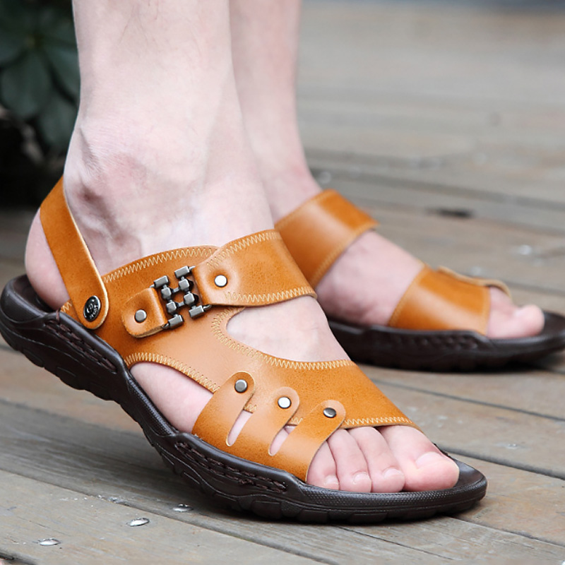 2018 New Beach sandals metal decoration fashion designer leather sandals men summer size 5.5-10.5 casual flip flops