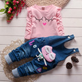Primavera Otoño 2016 de Dibujos Animados Ocasional camisa Linda Del Algodón + Los Pantalones Del Babero Niños Juego de Los Cabritos Ropa de La Muchacha Toddle Ropa 0-5 Años de Edad