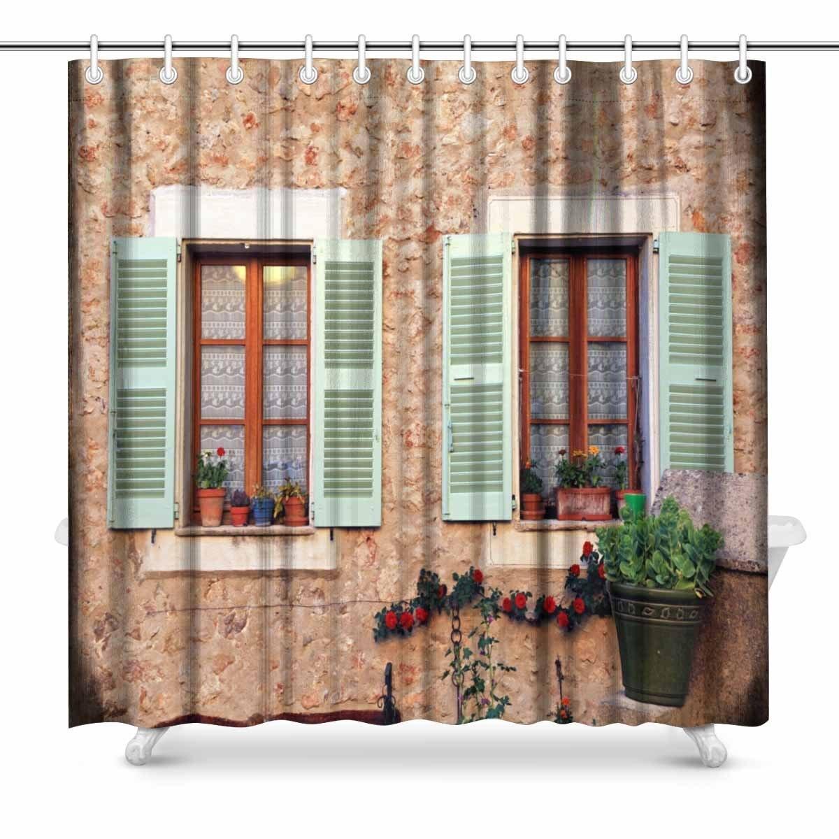 Aplysia Twee Franse Rustieke Windows Met Oude Groene Luiken En Bloempotten In Steen Landelijk Huis Provence Frankrijk Douchegordijnen