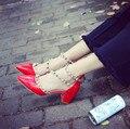 5.2016 do sexo feminino novo vermelho Sandália de salto alto com sexy Bomba zapatos mujer cravejado saltos sapatas das mulheres