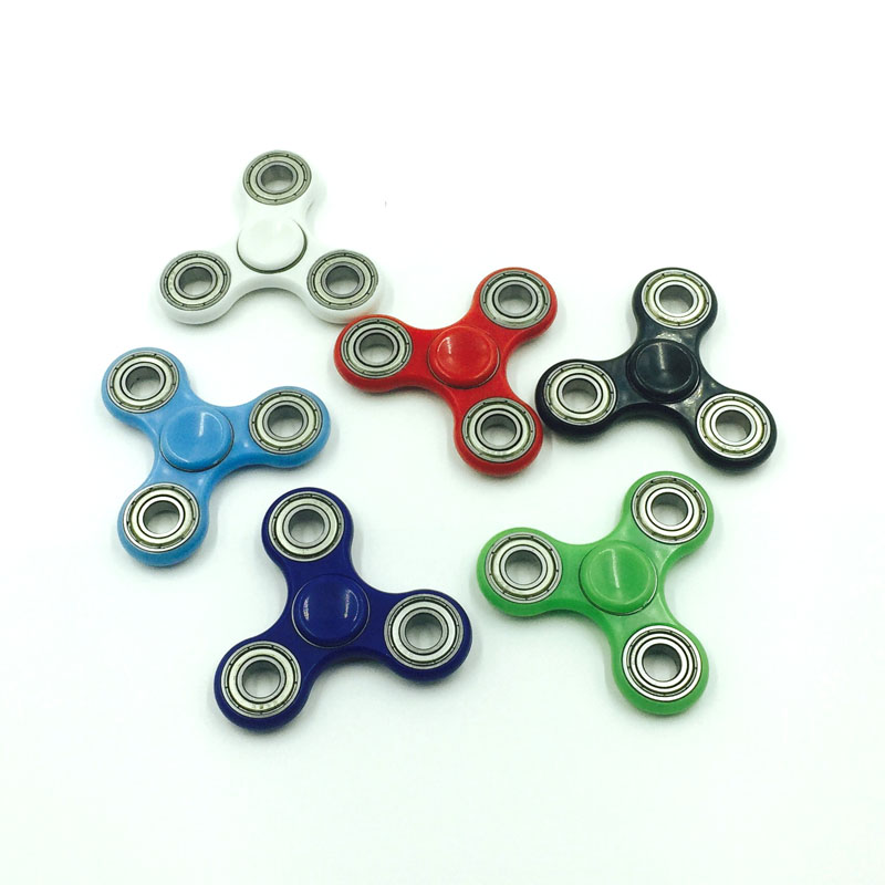 High Quality Tri-Spinner Fidget Toy Plastic EDC Fidgets Hand Spinner For Autism and ADHD Children Adults Focus Keep Hands Busy