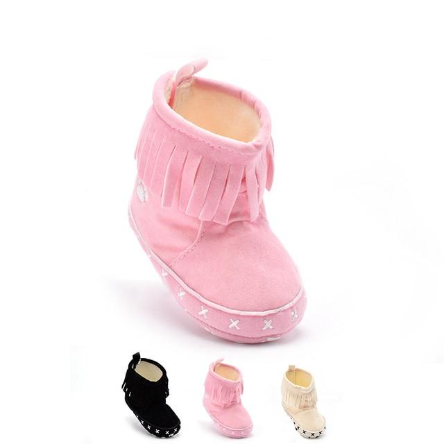 Горячие Продажа 3 Цветов Предлагают противоскользящие Моды Кисточкой Декор Хлопок Мягкой Подошве Новорожденных Детские Princess Девушки Прекрасные Сапоги впервые Уокер