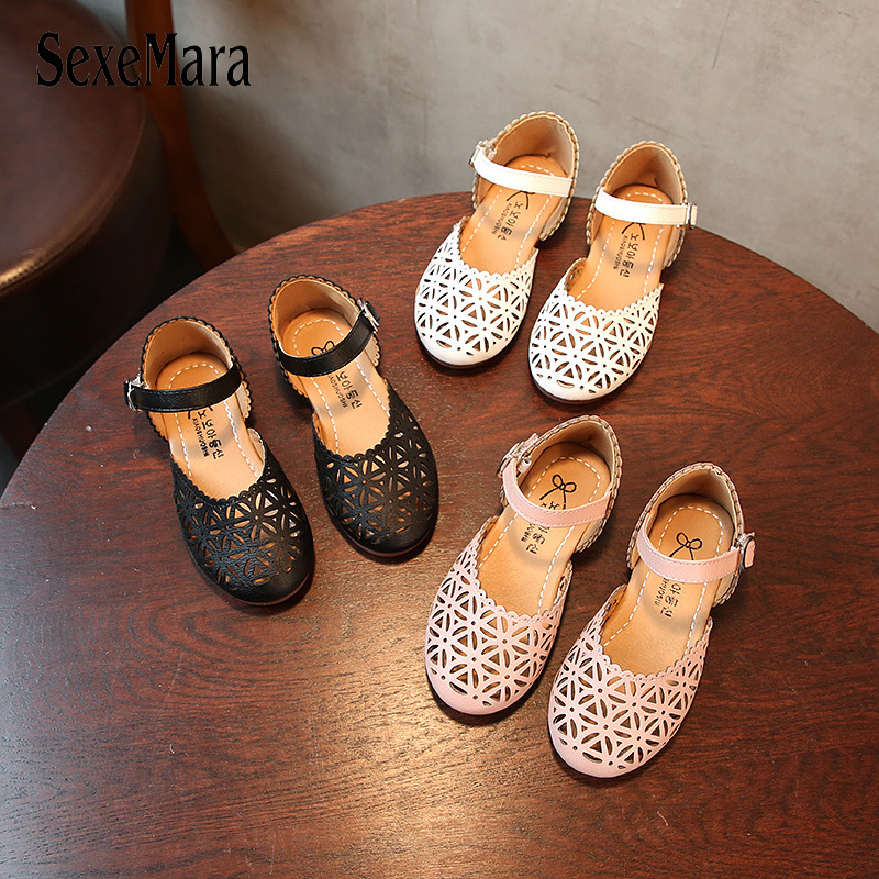 2019 New Brand Closed Toe Girls Sandals Cut Out Leather Sandal Children Shoes For Girl Fashion Metal Buckle Baby Sandals C01233