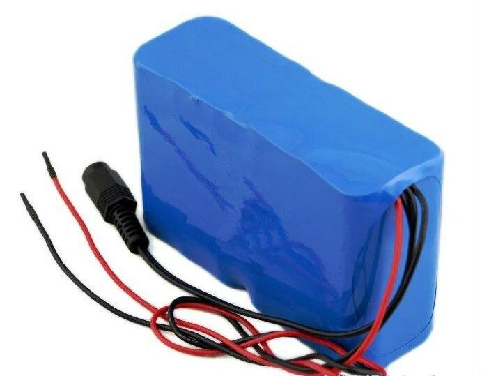 Achats gratuits 12 v 8000 mah 8ah batterie au lithium complète et charbon de bois ah chargeur de batterie surveillance GPS + chargeur de batterie 12 V