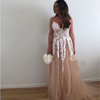 V-neck Evening Dress Champagne Tulle With Ivory Appliques Beaded 2019 Long Prom Dresses Spaghetti Straps Formal Party Gowns