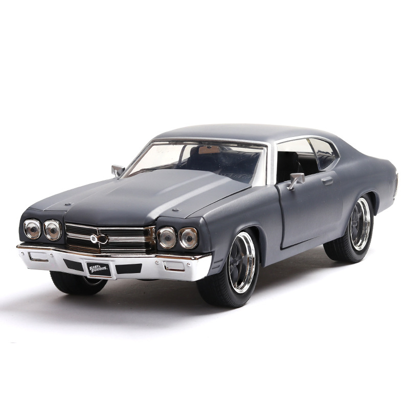 Chevrolet American Muscle Car SS Alloy Model Dodge Classic Car Model 1:24 Pendulum Model Diecast Pull Back Flashing Luxury Toys image