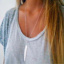 цены на RE Fashion Jewelry Gold Feather Pendant Necklaces Bohemian Leaf Long Necklace for Women Maxi Sweater Accessories Gift S34 в интернет-магазинах