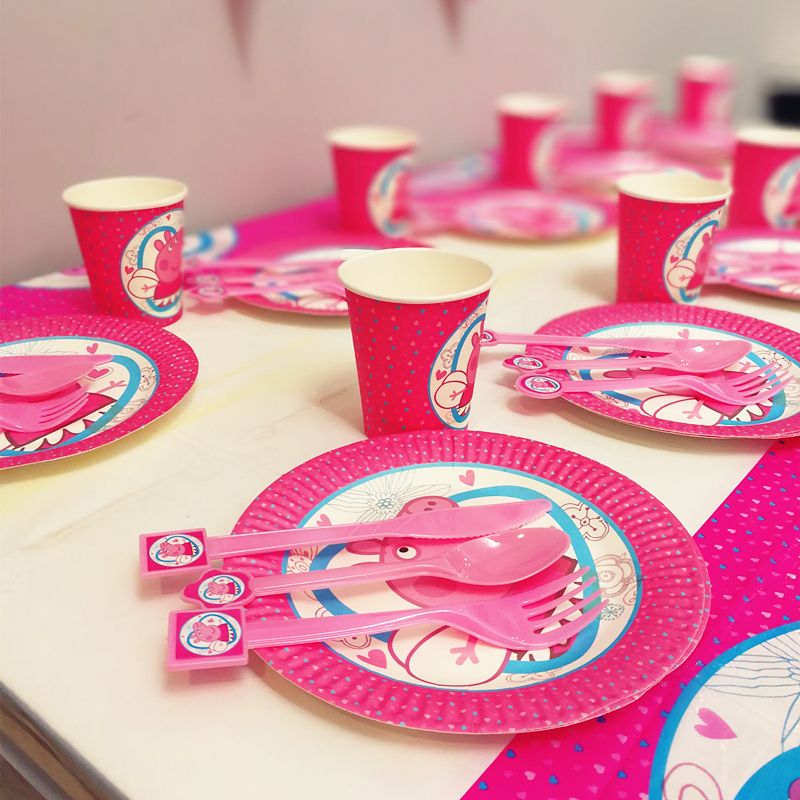 Pink pig 61pcs Disposable Tableware sets Boy Birthday Party Decoration Table Cloths cups Paper plates knife fork spoon
