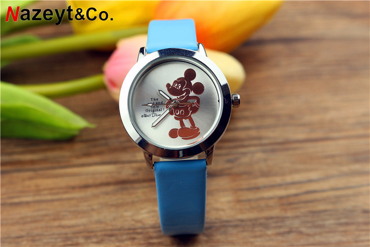New 3D Mickey Mouse Belt Children's Watch Student Cartoon Luminous Quartz Wrist Watch Mickey Mouse Women