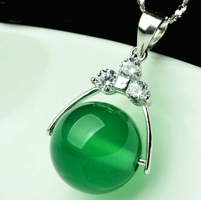 Pure 925 Sterling Silver Green Chinese 100% Natural Jade/Jadeite Round Bead Pendant With Certificate