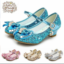 Детская обувь принцессы с бабочкой; обувь для девочек с бабочкой; яркие цвета; обувь на высоком каблуке без застежки; вечерние сандалии для танцев для маленьких девочек
