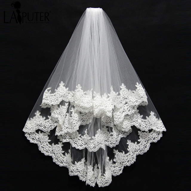 Short 2 Layer High Quality Wholesale wedding veils Lace Edge