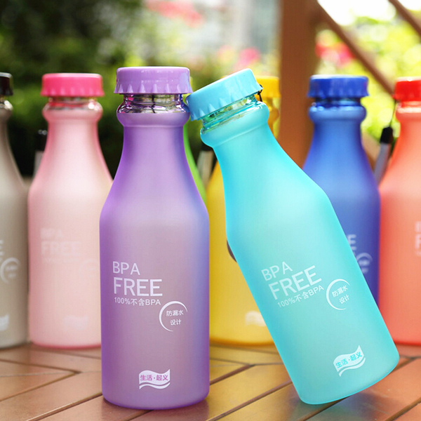 New Hot Sale Portable Leak-proof Bike Sports Unbreakable 550ml Plastic Water Bottle 301-0473