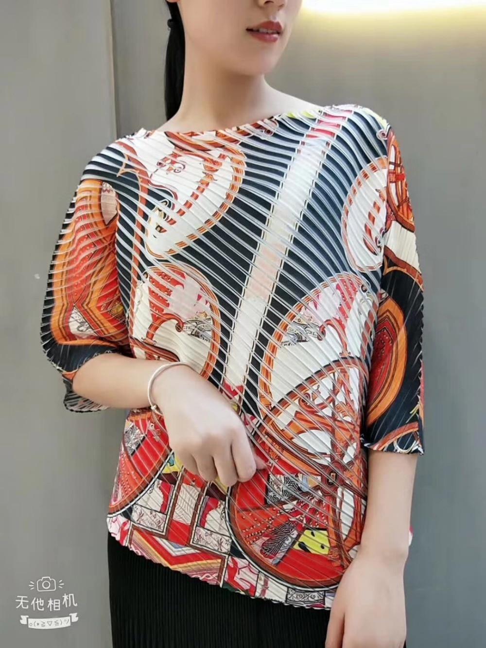 En T Gratuite Trimestre Color Trois Photo Fold Impression Irrégulière Miyake Mode Manches shirt Livraison photo Color Stock rQtChxsd