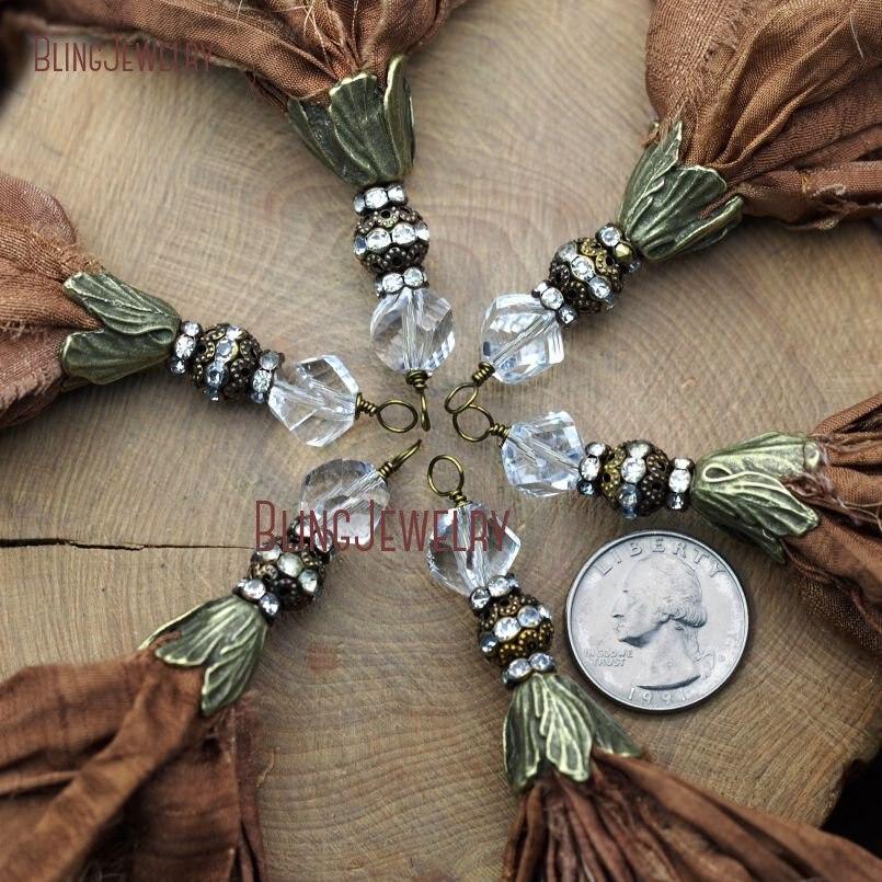 Colgante de borla de seda de Sari marrón con tapa de bronce antigua de cristal y acento de diamantes de imitación PM9047-in Colgantes from Joyería y accesorios    1