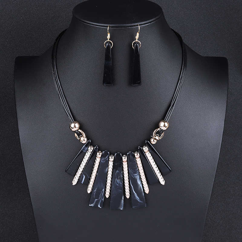 Guvivi 2019 luxe tour de cou bijoux ensembles goutte gland déclaration Maxi collier boucles d'oreilles pour les femmes Colar Vintage bijoux de mariage