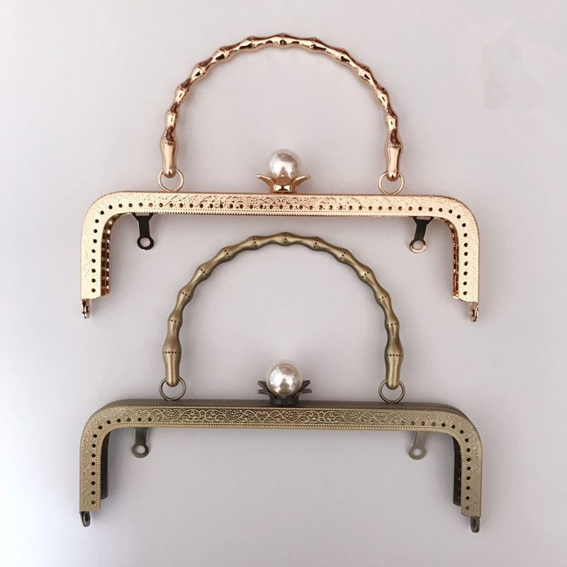 China Factory Supply 20.5 cm Antique Bronze Gold Color Bag Frame Strap Handle Fashion Bag Accessories Metal Purse Frame Handle