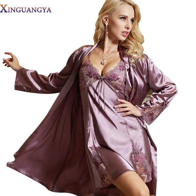 Dressing Gown New Robe 2017 Real Women Sets Full Sleeve Bathrobe Solid Lace Embroidery Night Gown Emulation Nightdress Peignoir