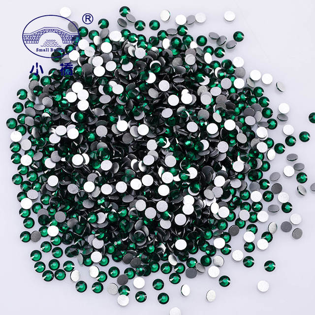 1692a4c0fc High Quality Round Emerald Green Rhinestones Diy Glitter Decorative Glass  Stones Flatback Crystal Rhinestones For Clothing Z166