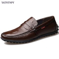 YATNTNPY Casual Men S Shoes Genuine Leather Loafers Shoes Man Slip On Flat Driving Shoes Comfortable