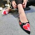 2017 Новый Женская Обувь в форме Сердца Лакированной Кожи Балетки Повседневная Острым Носом Обувь Девушку Туфли-Весна лето Женская Обувь