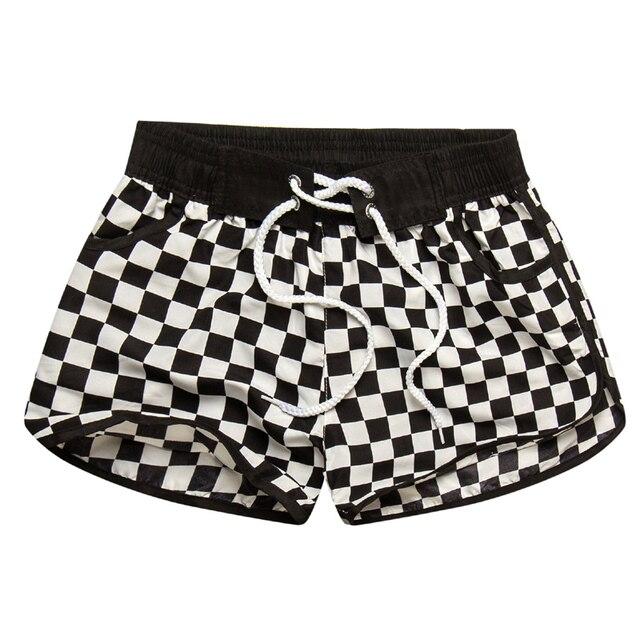 2017 Venta caliente pantalones cortos de Mujer Pantalones cortos femeninos estampado a cuadros pareja ropa de playa Casual traje 3XL