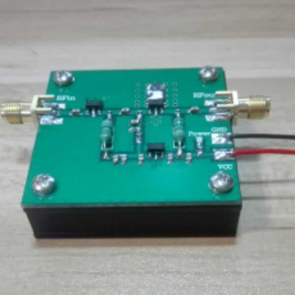 RF broadband power amplifier (1--930MHz, 2.0W)RF broadband power amplifier (1--930MHz, 2.0W)