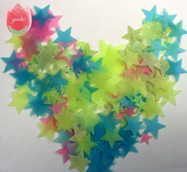 100Pcs Star and Moon Energy Storage Fluorescent Glow In The Dark Christmas Kids Bedroom Wall Stickers Baby Rooms Home Decoration