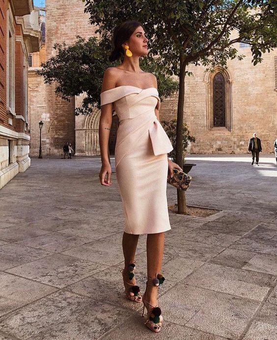 2018 Champagne Short Satin Cocktail Dresses Plus Size Off Shoulder Knee  Length Cheap Simple Arabic Formal Evening Party Dress-in Cocktail Dresses  from ... c87bc6422d76