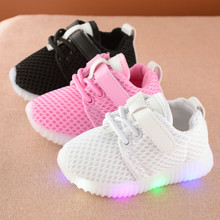 2017 New Fashion Children Toddlers Baby Led Kids Light Up Sports Shoes Boys&Girls Not Smelly Feet Soft Chaussure/Kids Sneakers