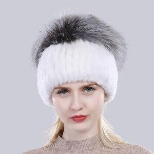 Image 5 - Yeni Varış Kış Kadın Örme Gerçek Rex tavşan kürk şapka Iyi Elastik Doğal Kabarık Gümüş Tilki Kürk Kapaklar Bayanlar Hakiki Kürk Şapkalar