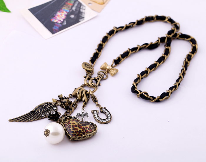 Fashion Jewelry Popular Different Shapes Gold Color Pendant Necklace Heart Feather Vintage India Necklace Jewelry