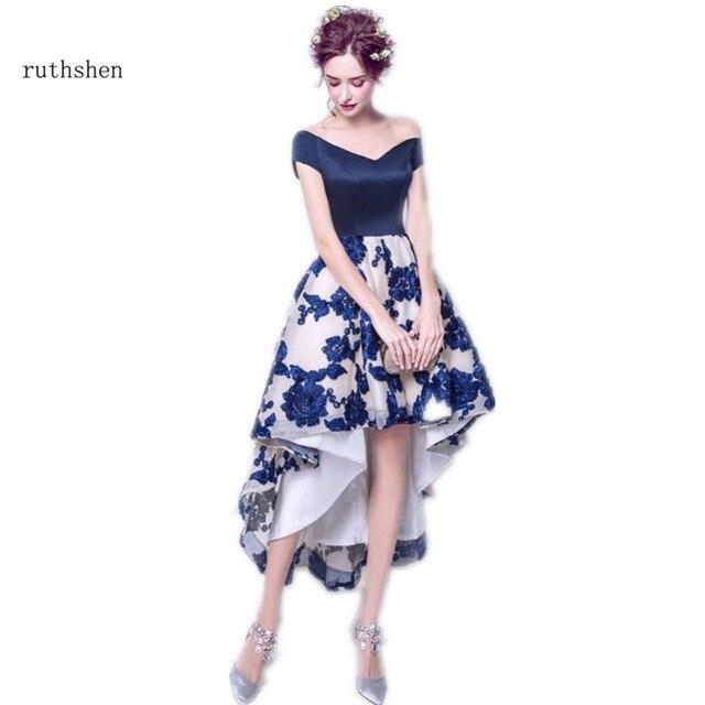 Ruthshen Новинка 2017 года Высокая Низкая Выпускные платья с открытыми плечами цветы короткое спереди и длинное сзади Темно-синие вечерние платья недорогие