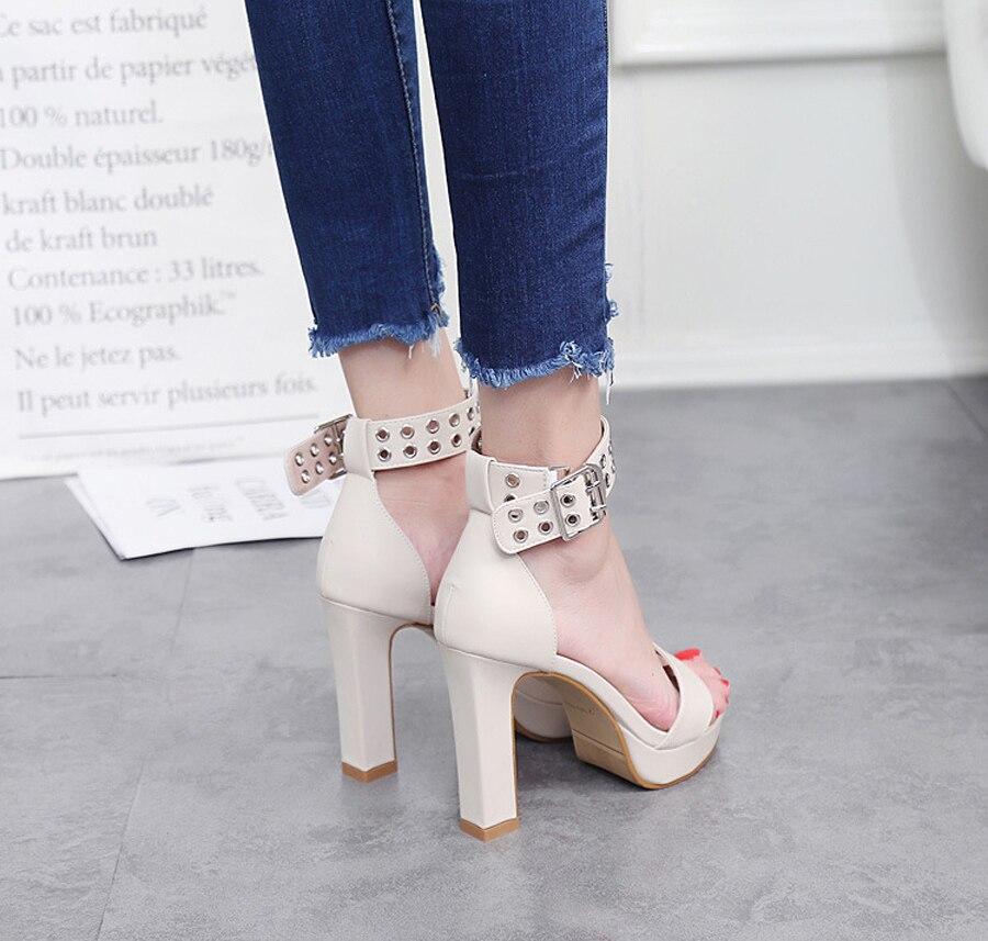 10 ส่วนลดครั้งสุดท้าย รองเท้าสตรีรองเท้าสตรีปั๊มหนังแฟชั่นผ้าพันคอโลหะตกแต่งข้อเท้าปั๊มส้นสูง ซม. 10