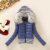 Большой меховой воротник пуховик 2017 Для женщин Зимняя утепленная с капюшоном короткая Дизайн ватные пальто с хлопковой подкладкой