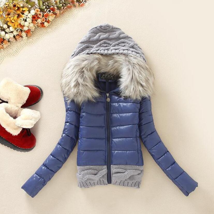 Grand Col De Fourrure Vers Le Bas Veste 2017 Femmes D'hiver Épaississement Avec Un Capot Court Conception Ouatée Manteau de Coton-rembourré