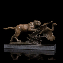 лучшая цена Best selling  bronze statue leopard hunt  sculptures  Lost Wax method  brass statues