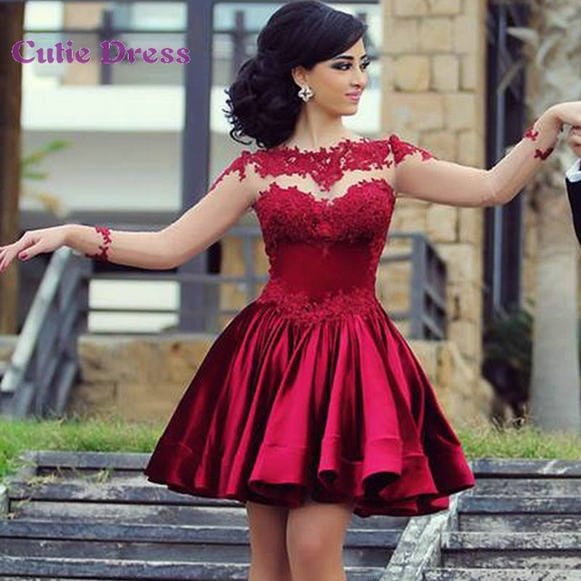 bfa81cf82 Satén rojo corto vestidos coctel Sheer vestidos de manga larga vestido de  coctel atractivo 2015 Appliqued