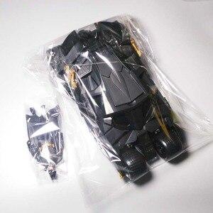 Image 4 - שני באחד מדהים באטמן כוס Batmobile צעצוע פעולה איור PVC עם מדבקת כמתנה