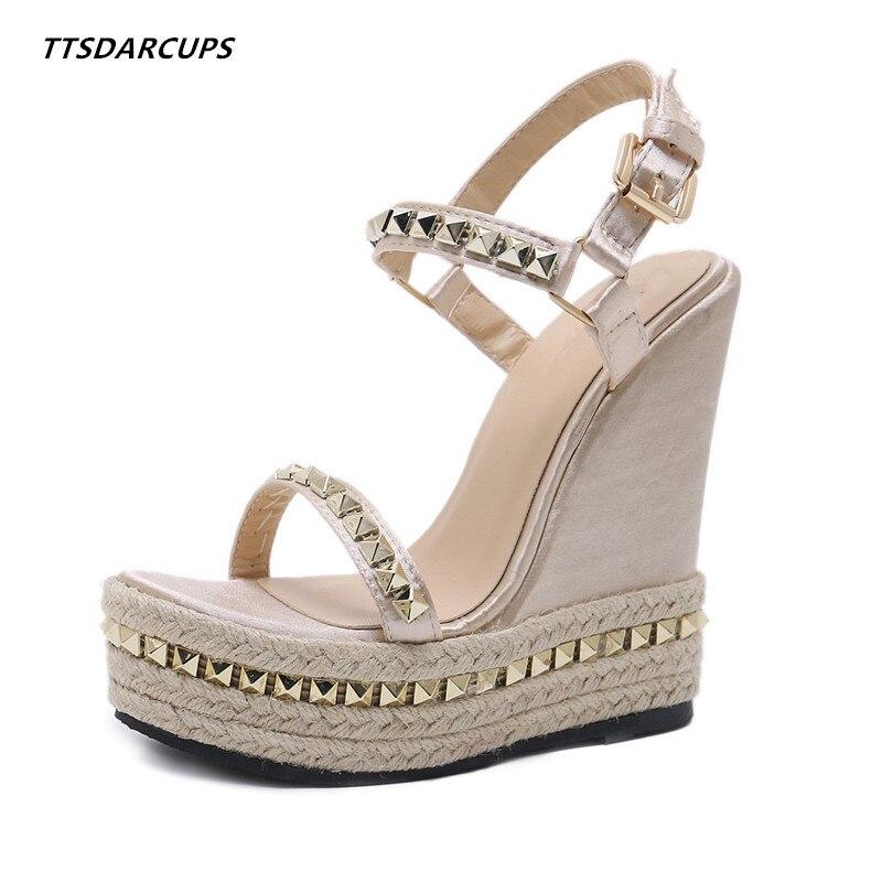 Ttsdarcup mode chaussures de paille semelles talon de pente sandales à talons hauts Sexy rivet talons hauts grande taille chaussures pour femmes fret gratuit