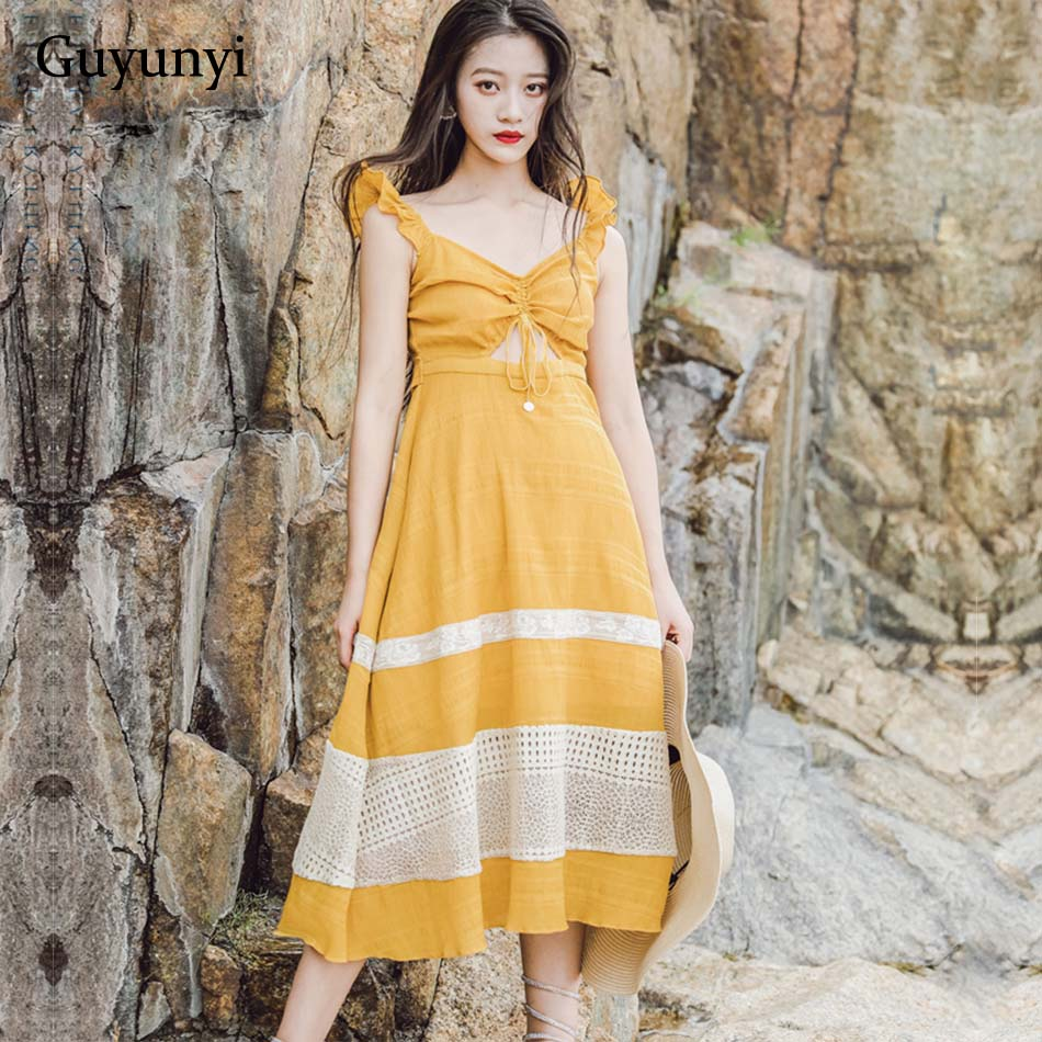 75a284ccf38fce8 Без рукавов гофрированное v-образным вырезом Плиссированное ажурное платье  простое 2019 повседневное пляжное платье белое